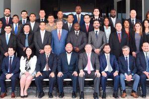 Expertos chilenos comparten con profesionales latinoamericanos para fortalecer lucha contra la corrupción